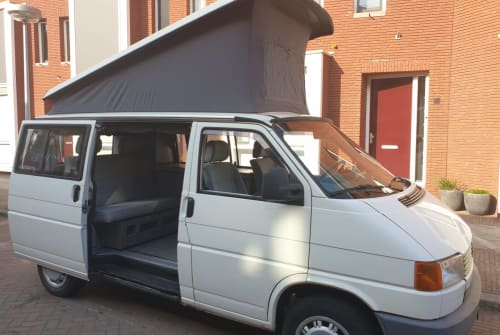 Hire a motorhome in Utrecht from private owners| VW VW T4 Westfalia