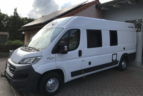 Hire a motorhome in Sommerhausen from private owners| Weinsberg Touri II