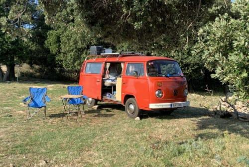 Hire a motorhome in Utzenaich from private owners| VW Rudi der Bulli