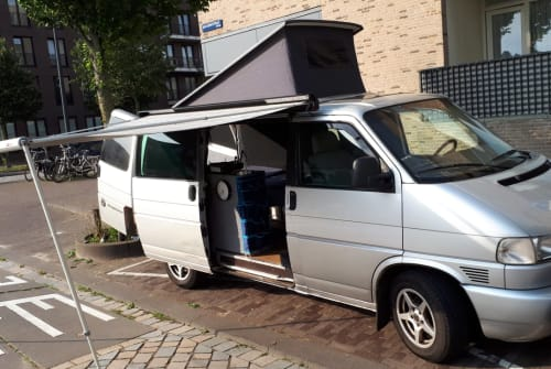 Hire a motorhome in Amsterdam from private owners| Volkswagen Transporter T4