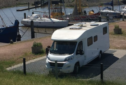 Hire a motorhome in Schönwalde-Glien from private owners| Fiat / Miller MaliMobil