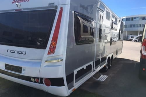 Hire a motorhome in Ludwigsburg from private owners| Dethleffs Dethleff