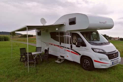 Hire a motorhome in Büdingen from private owners| Sunlight Free-Living