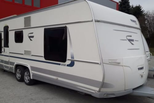 Hire a motorhome in Mannheim from private owners  Fendt Diamant42
