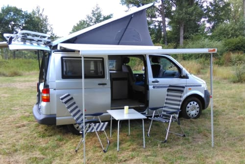 Hire a motorhome in Rattelsdorf from private owners| VW T5 Bulli Aufstelldach Bullibus