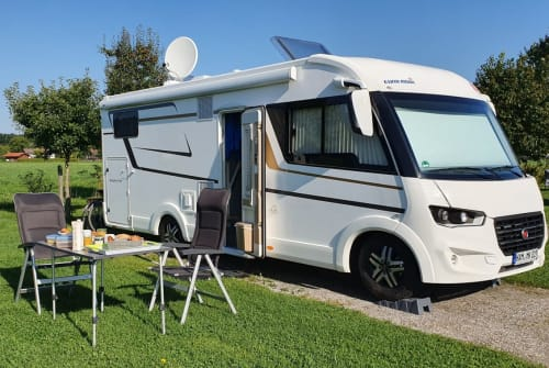 Hire a motorhome in Hamm from private owners| EURA MOBIL Eddie