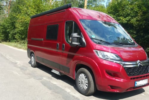 Hire a motorhome in Berlin from private owners| Citroen Red
