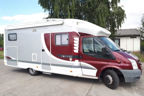 Hire a motorhome in Schwanebeck from private owners| Ford und Dethleffs WOMO :)