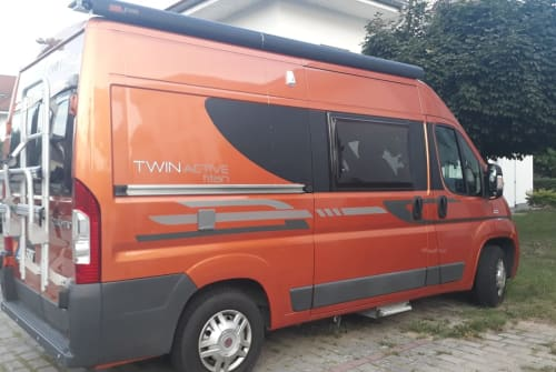 Hire a motorhome in Grünheide from private owners| Fiat Twin