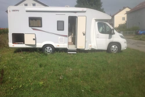 Hire a motorhome in Bernhardswald from private owners| Fiat Happy