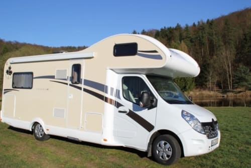 Hire a motorhome in Solingen from private owners| Ahorn Canada Ad