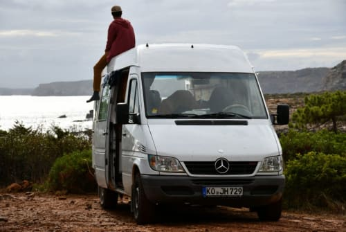 Hire a motorhome in Koblenz from private owners| Mercedes-Benz  Nuuk