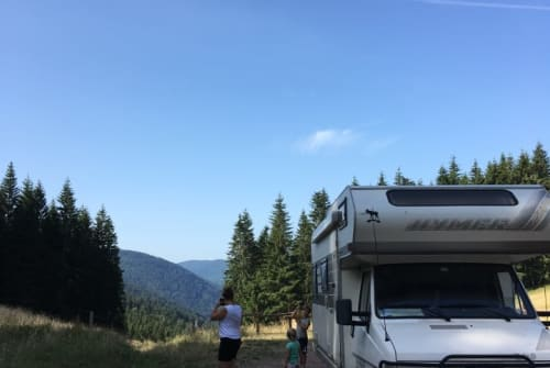 Hire a motorhome in Den Haag from private owners| Hymer Hymer 644