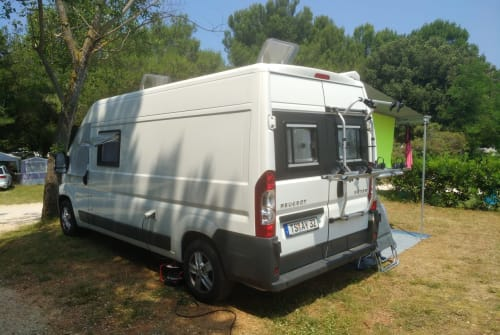 Hire a motorhome in Marquartstein from private owners| Peugeot Tobi`s Camper