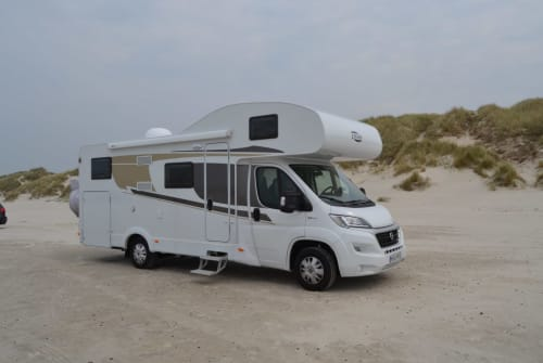 Hire a motorhome in Vipperow from private owners  Carado MIMI