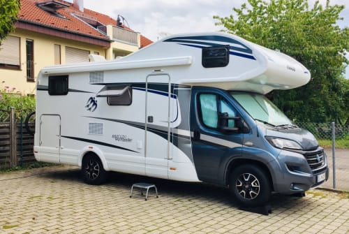 Hire a motorhome in Neuhausen auf den Fildern from private owners| KNAUS KNAUS 650 DG