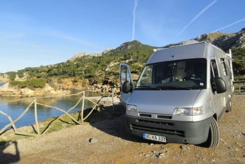 Hire a motorhome in Palma de Mallorca from private owners| Bavaria Camp Camper Mallorca