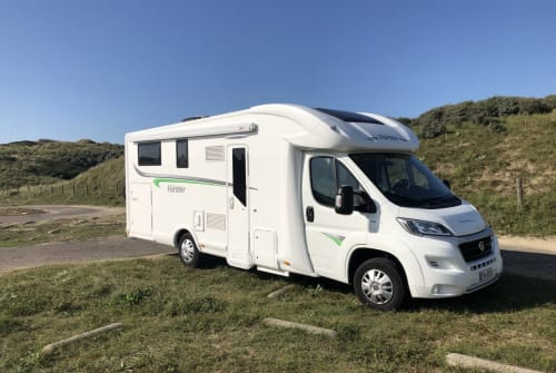 Hire a motorhome in Essen from private owners| Forster Hannes