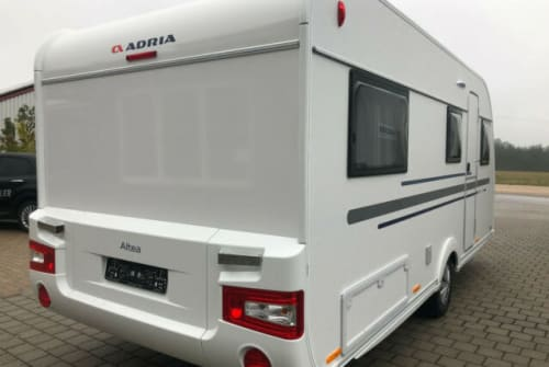 Hire a motorhome in Hassendorf from private owners| Adria Altea 502 UL