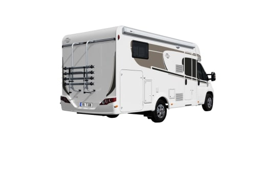 Hire a motorhome in Wiehl from private owners| Carado LaPalmaT338(1)