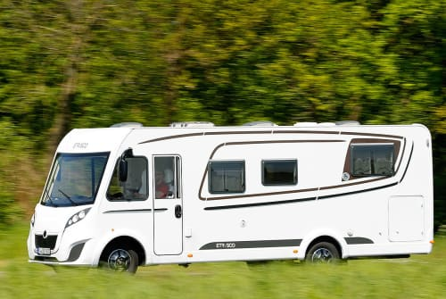 Hire a motorhome in Uhldingen-Mühlhofen from private owners| Etrusco PanMobil
