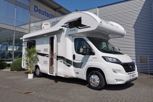 Hire a motorhome in Paderborn from private owners| XGO Elsen
