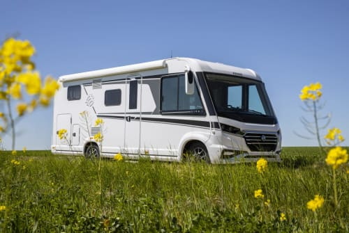 Hire a motorhome in Starkenberg from private owners| KNAUS KNAUS L!VE I