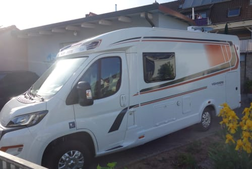 Hire a motorhome in Sommerhausen from private owners| Weinsberg Peppi