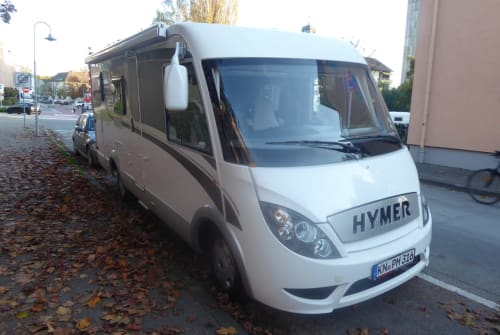 Hire a motorhome in Konstanz from private owners| Hymer Hymer Exsis