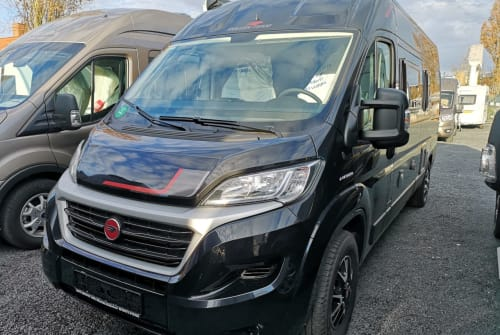 Hire a motorhome in Fulda from private owners| Roller team  Waldiskutsche