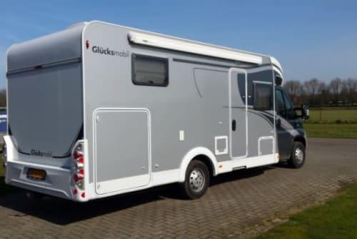 Hire a motorhome in Swalmen from private owners| Gluchsmobiel ( sunlight T 67 ) GluchsmobielT67
