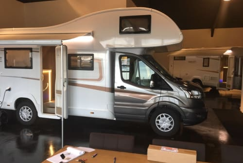 Hire a motorhome in Harderwijk from private owners| Roller Team Roller Team A01