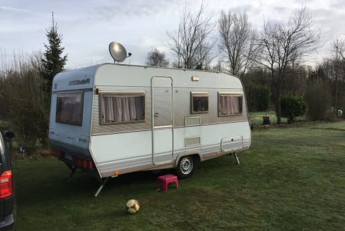 Hire a motorhome in Bonn from private owners| Dethleffs Familienkutsche