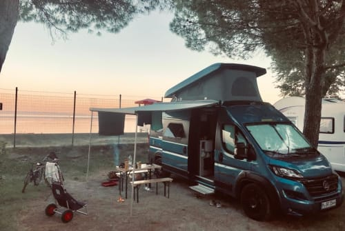 Hire a motorhome in München from private owners| Hymer, Fiat Ducato Knut