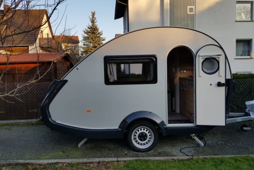 Hire a motorhome in Obertshausen from private owners| T@b Tab Toto