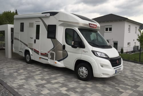 Hire a motorhome in Frensdorf from private owners  Challenger  Mageo 290