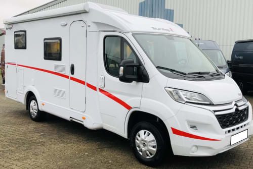 Hire a motorhome in Schwerte from private owners| Sunlight Sunlight V66