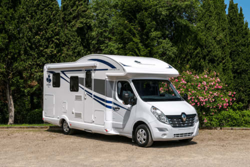 Hire a motorhome in Neustadt am Kulm from private owners| Ahorn Kulmcamper