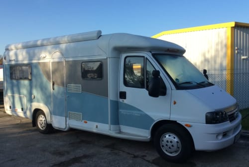 Hire a motorhome in Birkenwerder from private owners| Dethleffs  Berta