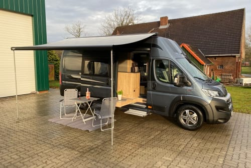 Hire a motorhome in Geestland from private owners| La Strada Avanti C Neu
