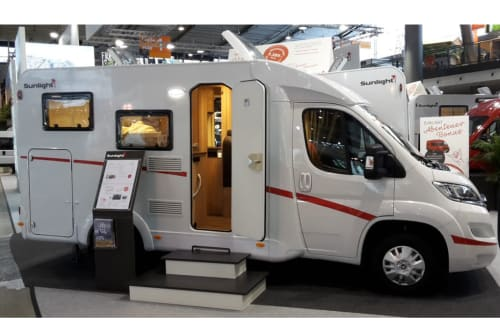 Hire a motorhome in Achim from private owners| Fiat/Sunlight V60 Womotion*New*