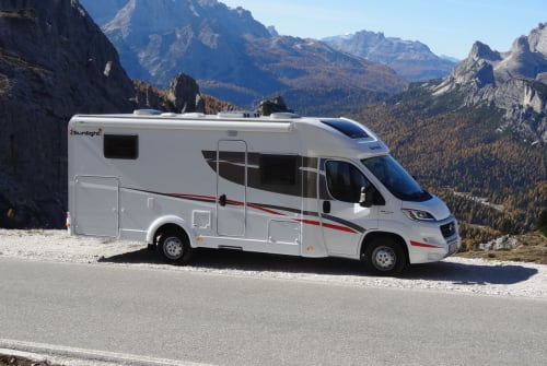 Hire a motorhome in Inning am Ammersee from private owners| Sunlight  Frieda