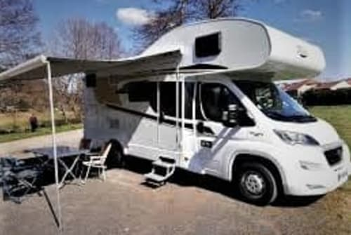 Hire a motorhome in Breda from private owners| Carado A361 Caradootje