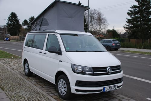 Hire a motorhome in Berlin from private owners| VW T6 DiekleineMarie