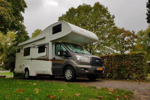 Hire a motorhome in Harderwijk from private owners| Roller Team A02 Roller Team A02