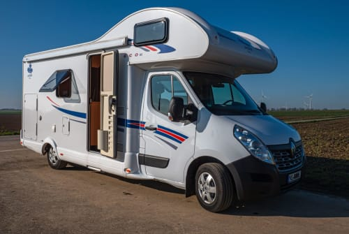Hire a motorhome in Grevenbroich from private owners| Ahorn Family Camp