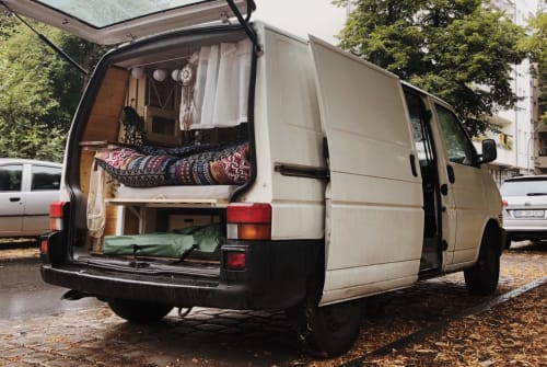 Hire a motorhome in Berlin from private owners| VW Winona