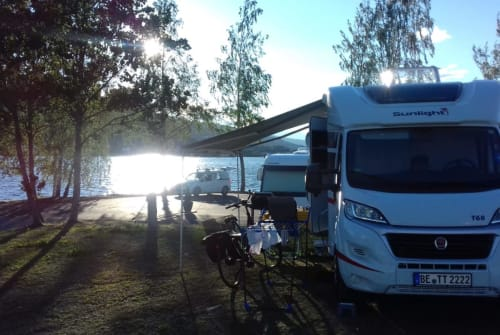 Hire a motorhome in Beckum from private owners| Sunlight Free Willy