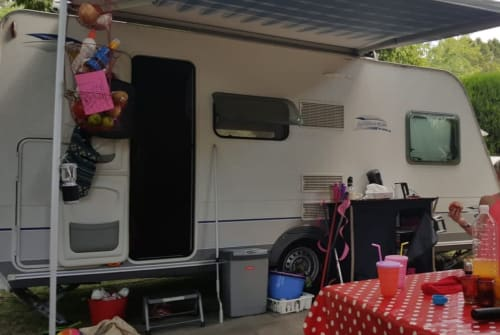 Hire a motorhome in Hattem from private owners| Caravelair Martijn