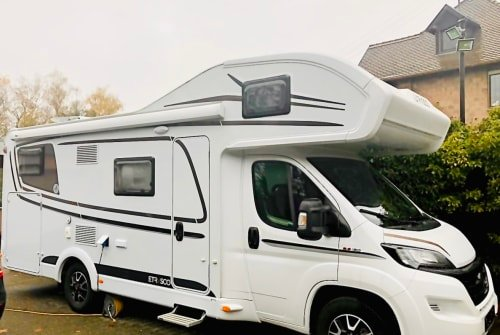 Hire a motorhome in Bexbach from private owners  ETRUSCO Crisan Camper